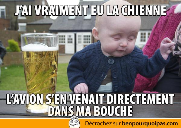 bebe-saoul-avion-dans-la-bouche