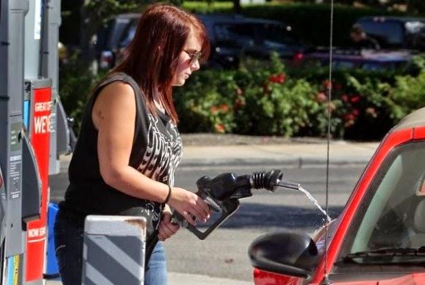 femme vise pour réservoir d'essence