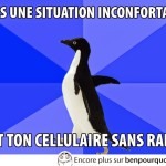 Une situation inconfortable, sors ton mobile