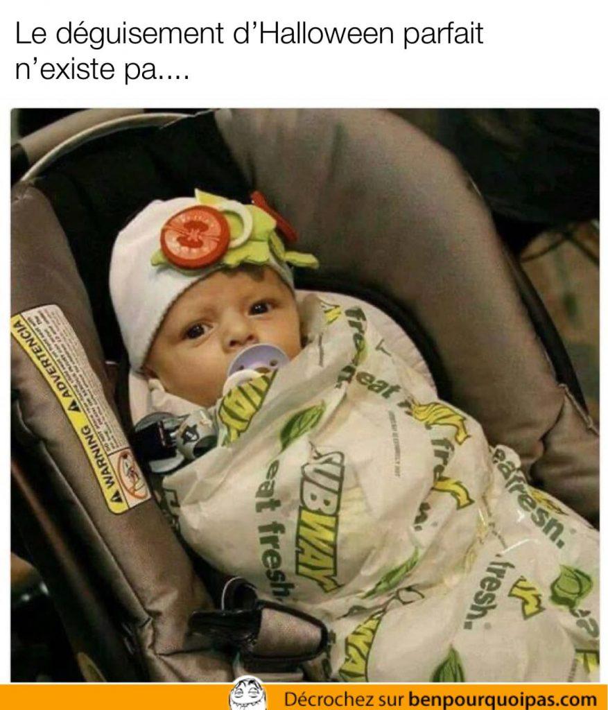 Un costume d'Halloween de sandwich Subway parfait pour bébé