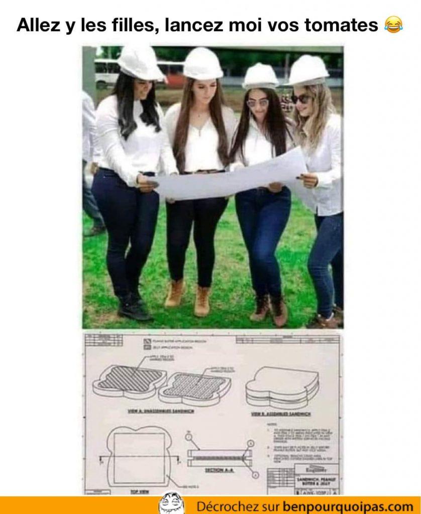 des femmes ingénieurs avec un plan pour faire un sandwich
