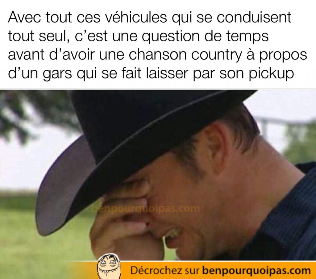 Un cowboy pleure parce que son autonome camion l'a laissé