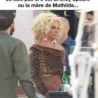 Je suis pas certain si c'est Britney Spears ou la mère de Mathilda