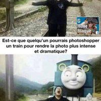 Est-ce qu'un expert en Photoshop pourrait ajouter un train pour rendre la photo dramatique