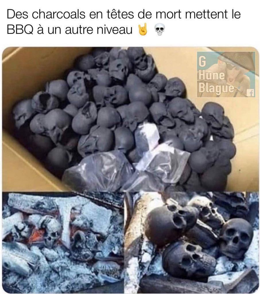 des briquettes en forme de tête de mort placent le Barbecue à un autre niveau. BBQ extrême